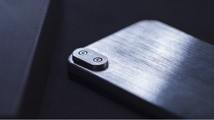 Metal Phone with locking system (July batch)