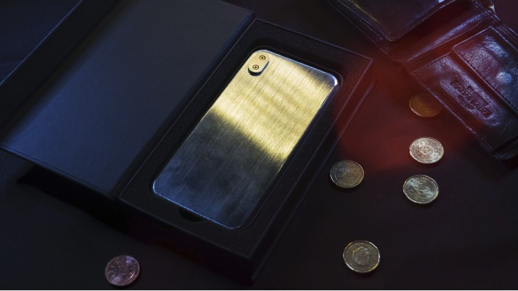 Metal Phone with locking system (PRE ORDER)